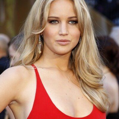 Who is the most attractive actress? | Jennifer Lawrence