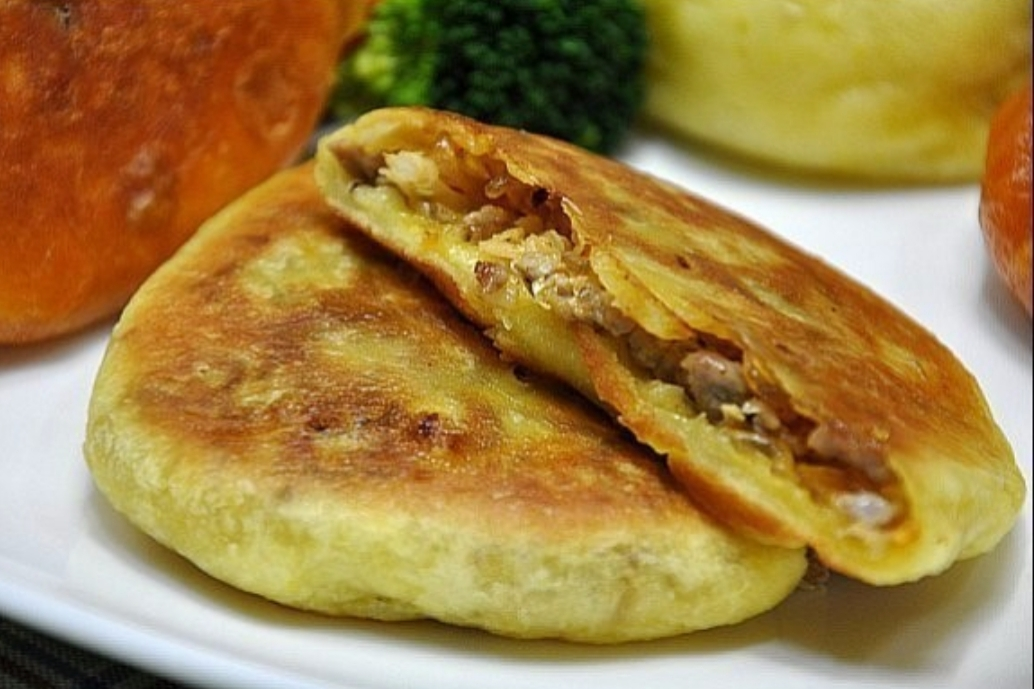 Have you tried korean food? what is your favorite korean food? | hodduk, pancake stuffed[filled] with brown sugar