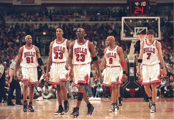 Which team will win? | 95-96 Chicago Bulls